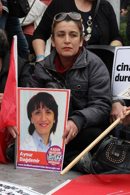 CHP'li Kadınlardan Oturma Eylemi
