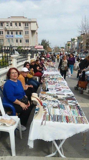 Didim'de Kültür Sanat Atölyesi Kursiyerleri Kermes Açtı