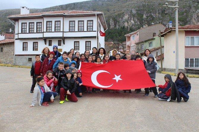 Başkan Bozkurt'un Minik Ziyaretçileri