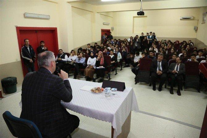 Başkan Aydın'dan Öğrencilere Eğitim Desteği