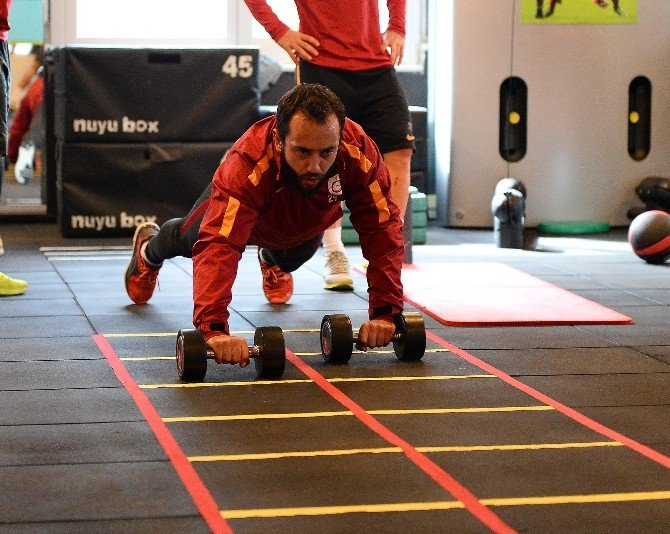 Galatasaray, Gençlerbirliği Maçı Hazırlıklarına Başladı