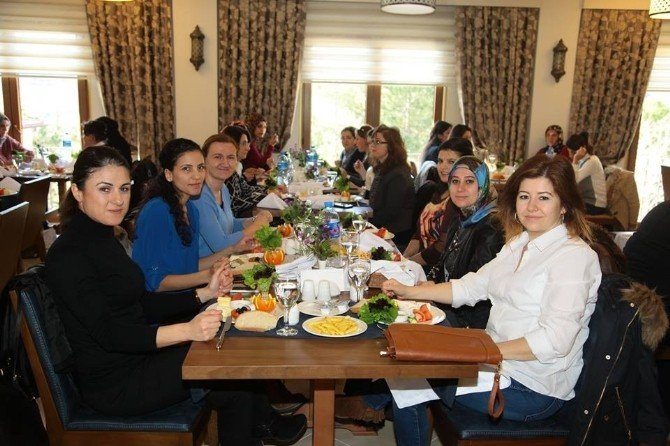 Kadın Personele Kahvaltı