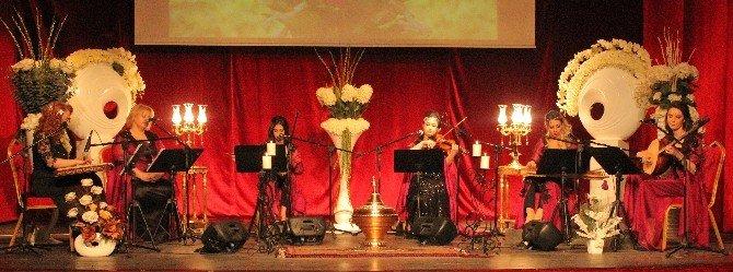 Kadın Saz Ve SES Sanatçıları Konser Verdi