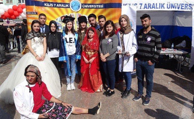 Üniversitede Kadınlar Günü Farklı Etkinliklerle Kutlandı