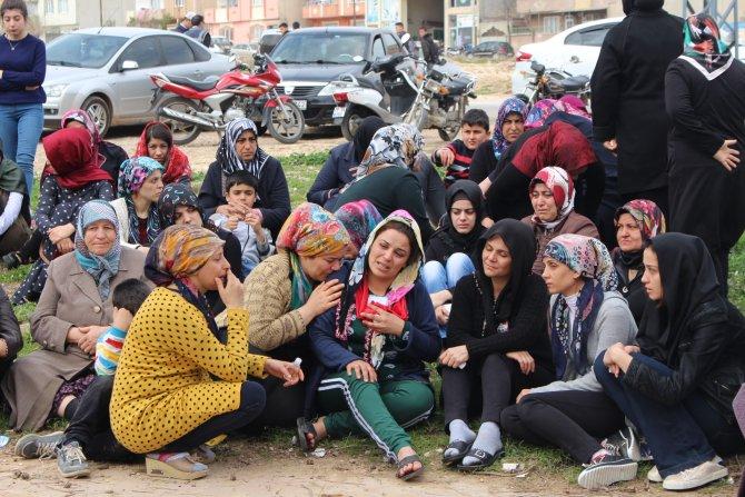 Kilis'e atılan roketatar sonucu hayatını kaybedenler toprağa verildi