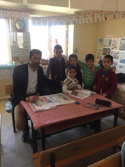 'Kütüphanesi Olmayan Köy Okulları Kalmasın' Projesi Devam Ediyor