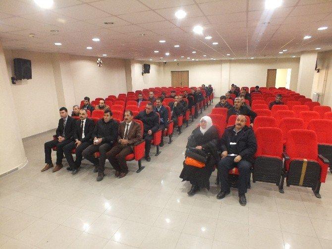Malazgirt Belediyesi'nin Halk Toplantısı Sönük Geçti