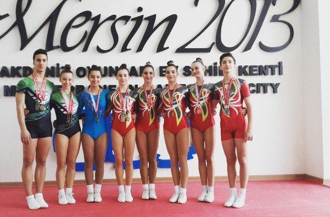 Büyükşehir'in Cimnastikçileri Mersin'de Farkını Gösterdi