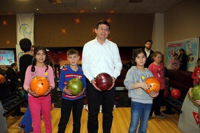 Merkezefendi Belediye Başkanı Subaşıoğlu Çocuklarla Bowling Oynadı