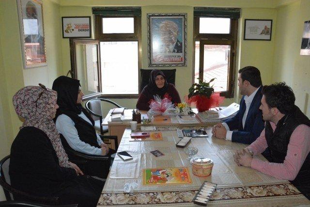 Ömer Özcan 8 Mart'ta Siyasetin Kadınlarını Ziyaret Etti