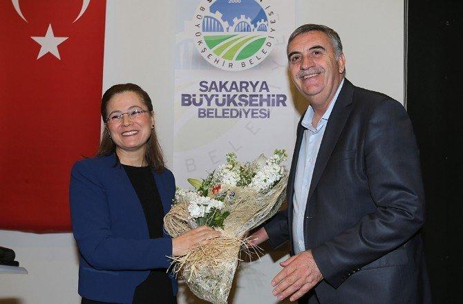 Başkan Toçoğlu Büyükşehir'in Kadın Personelleri İle Buluştu