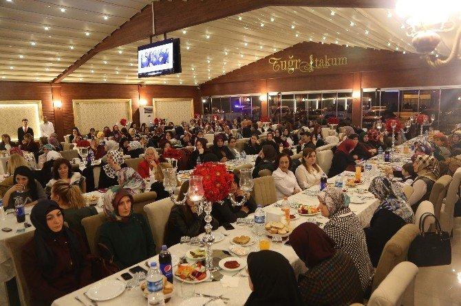 Atakum'da Kadınlar 'Kırmızı Halı' İle Karşılandı