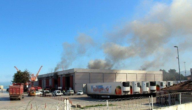 İtfaiyenin Karşısında Limanda Yangın