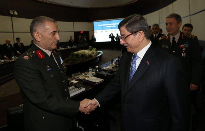 Başbakan Davutoğlu, Savunma Sanayii İcra Kurulu toplantısına katıldı