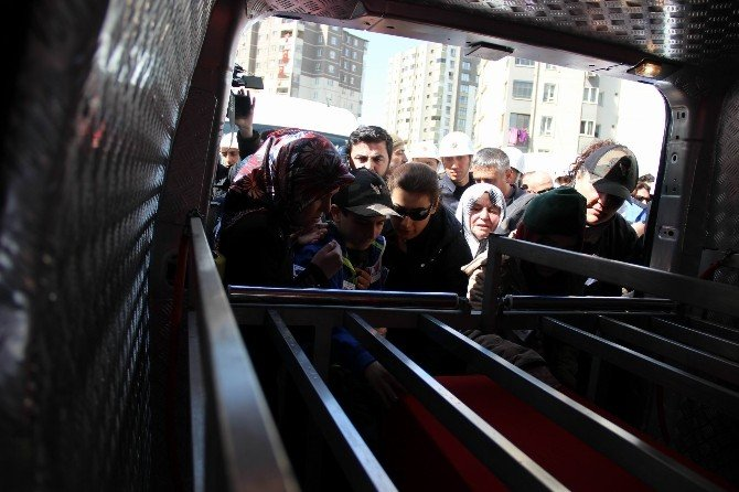 Şehit Özel Harekat Polisi Tufaner Son Kez Evine Getirildi