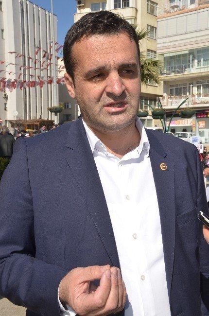 CHP'li Kadınlar 'Özgecan Yasası' İçin Oturma Eylemi Yaptı