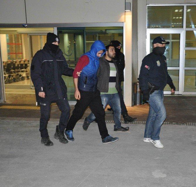 Sivas'ta Terör Örgütü Şüphelileri Sağlık Kontrolünden Geçirildi