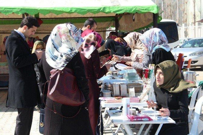 Suriyeli Çocuklar Yararına Kermes