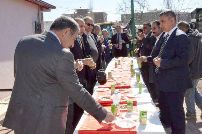 Tuzluca'da kadınlar için 'üretim merkezi' açıldı.