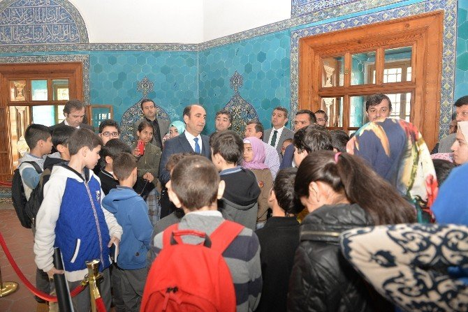 Başkandan Öğrencilere Gönüllü Rehberlik