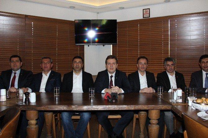 AK Parti Başkanlık Sistemini Anlatmaya Devam Edecek