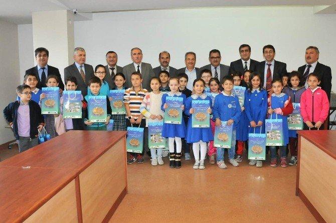 Başkan Akkaya Öğrencilerini Ödüllendirdi