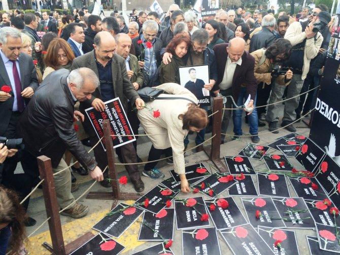 Ankara Garı'ndaki patlamada hayatını kaybedenler anıldı