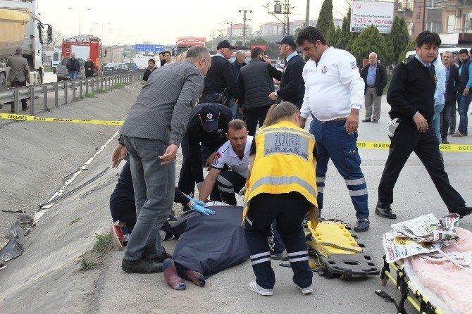 Trafik Kazasında Ölen İki Genç Son Yolculuğuna Uğurlandı
