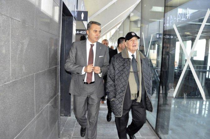 Beşiktaşlı işadamları, yöneticiler ve futbolcular Vodafone Arena'da buluştu
