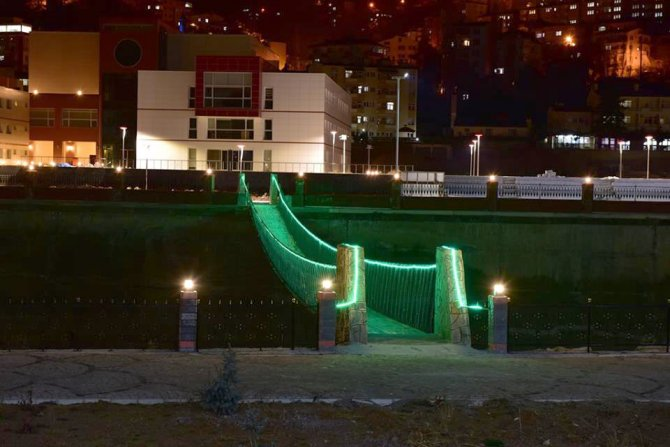 Çoruh Park'ın ışıklı ve sesli gösteri havuzu beğenildi