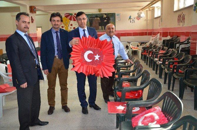 Malatya'da Öğrencilerin Bayrak Sevgisi