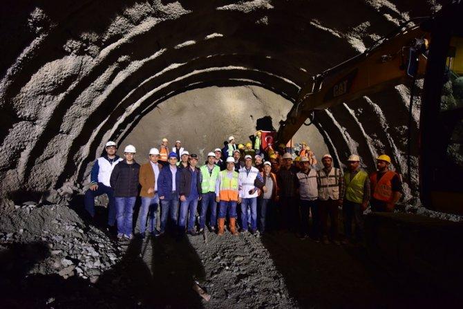 2 bin 277 metrelik tünelde ışık göründü