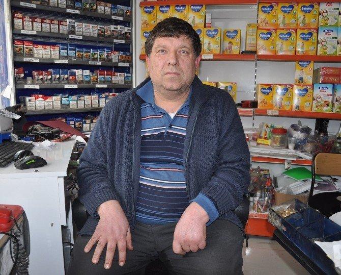 Vicdansız Hırsız, Marketten Sadaka Kutusunu Çaldı