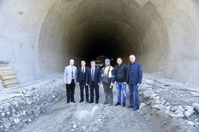 Başkan Çimen, TOKİ Uzmanları İle Konut Alanını İnceledi