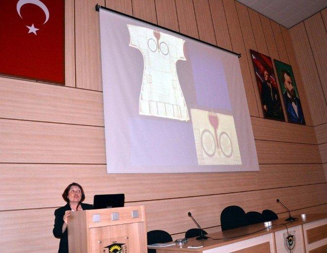 Tılsımlı Gömlekler Koleksiyonu Konferansı
