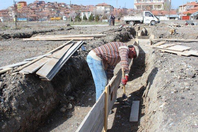 Sungurlu'da Kapalı Pazar Yeri İnşaatı Start Aldı