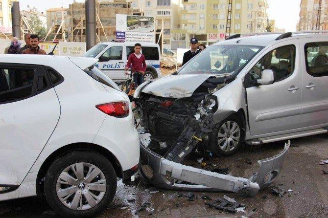 Kilis'te Trafik Kazası: 4 Yaralı