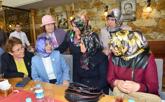 Kırşehir Valisi Şentürk'ün eşinden 'Kadına hürmet, çocuğa şefkat' toplantısı