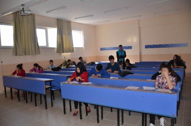 Koyulhisar'da YGS Provası Yapıldı