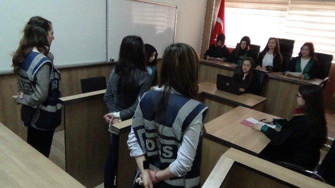 Yozgat'ta Öğrenciler Mahkeme Salonunu Sınıfa Taşıdı