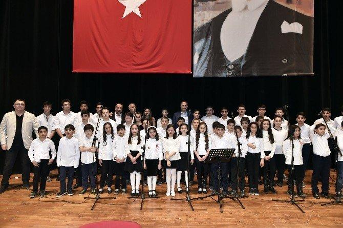 İlköğretim Ve Lise Öğrencilerinden Muhteşem Konser