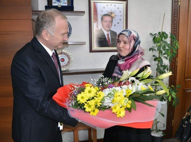Nevşehir Valisi Ceylan, Kadın Kur'an Kursu Öğreticilerini Kabul Etti