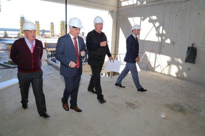 Rize'nin İlk Beş Yıldızlı Otelinin Yapımı Sürüyor