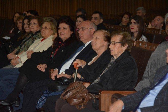 """Başkan Eşkinat """"Kadınlarımızın Sevdaları"""" Fotoğraf Sunumuna Katıldı"""