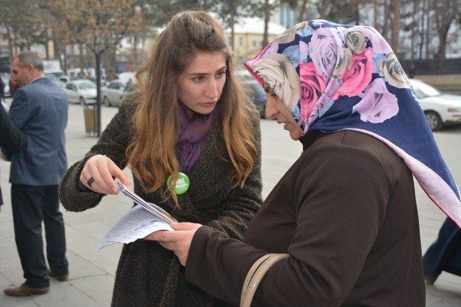 Yeşilay Ve Halk Sağlığı Müdürlüğü Stant Açtı