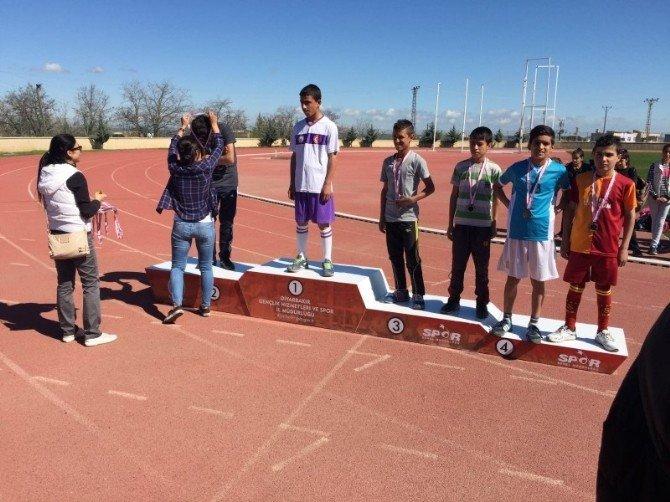 Kulplu Öğrenciler Atletizmi Geliştirme Rrojesi İçin Koştu