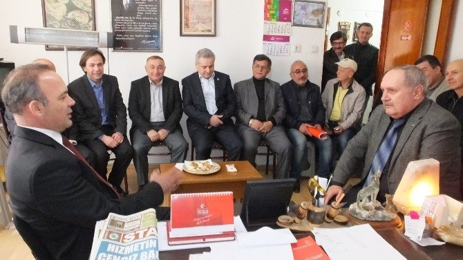 Burhaniye'de Kaymakam Öner Siyasi Partileri Ziyaret Etti