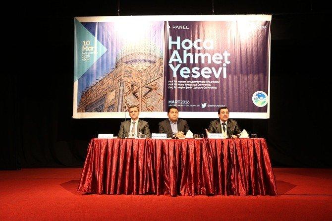 """AKM'de """"Hoca Ahmet Yesevi"""" Paneli Gerçekleşti"""