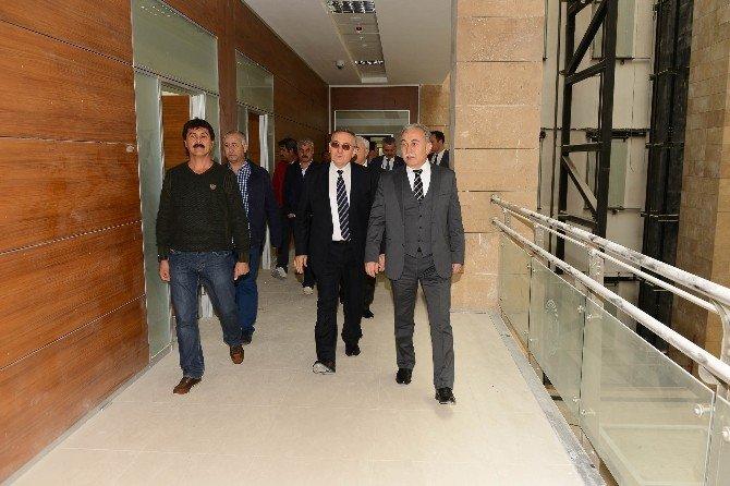 Adana Adliye Sarayı'nın Yüzde 50'si Tamamlandı