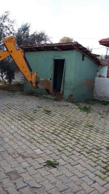Alaşehir Belediyesinden Camilere Hizmet